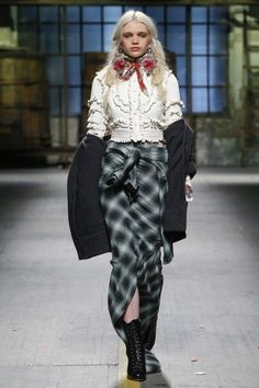 Dsquared² представили осенне-зимнюю коллекцию 2017/18 на Неделе моды в Милане.