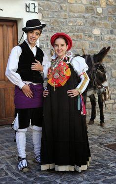 FolkCostume y bordado: Traje del valle de Ansó, Aragón, España