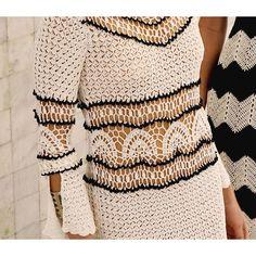 Bязание крючком. Handmade. Платья вязаные крючком. Одежда. Мода. Узоры. Цвета. Crochet dresses. Clothing. Fashion. Patterns. Colors. Háčkování šaty. Oblečení. Móda. Háčkovací vzory. Barvy.