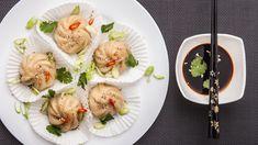 V rámci rubriky Recepty mého srdce jsme se vydali do Teplic za mladou paní učitelkou, která nás překvapila perfektními čínskými knedlíčky plněnými tofu a špenátem, zvanými dim sum. Pojďte se podívat!