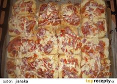 """Toustová """"pizza"""" - rychlá večeře recept - TopRecepty.cz 20 Min, Hawaiian Pizza, Pepperoni, Quiche, Food And Drink, Cheese, Diet, Quiches"""