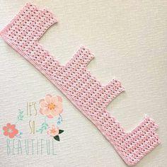 Canesu en grande de vestido de crochet y tela. This Pin was discovered by Luc Linen and cotton dress, brides Baby Girl Crochet, Crochet Baby Clothes, Newborn Crochet, Crochet For Kids, Crochet Yoke, Crochet Motifs, Youtube Crochet Patterns, Vestidos Bebe Crochet, Diy Crafts Crochet