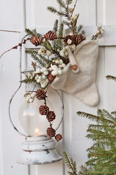 Beautifully Simple White Christmas Decor Ideas using natural elements !