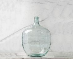 Classic Hostess's extensive collection of stylish glass beverage dispensers, beautiful cake stands and unique storage kitchen canisters, are great for weddings, parties & your home. Large Glass Vase, Glass Bottles, Recycled Bottles, Recycled Glass, Painted Fox Home, Glass Beverage Dispenser, Bottles And Jars, Glass Containers, Farmhouse Decor