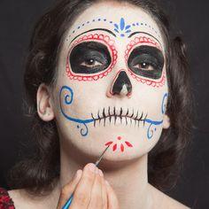"""DIY """"Día de los Muertos"""" Make-up Women - Halloween.de - Halloween.de"""