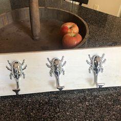 Vintage Look Dresser Drawer Pulls Handles Knobs Ring Drop Pull Antique Brass / Rustic Cabinet Door Knocker Knob Pull Furniture Hardware Vintage Drawer Pulls, Dresser Drawer Pulls, Dresser Knobs, Drawer Handles, Dresser Drawers, Rustic Cabinet Doors, Rustic Cabinets, Glass Kitchen Cabinets, Kitchen Cabinet Pulls