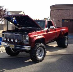 jacked up trucks chevy Dually Trucks, Old Pickup Trucks, Lifted Chevy Trucks, Diesel Trucks, Ford Trucks, Gmc Diesel, C10 Chevy Truck, Chevy Pickups, Jeep Truck