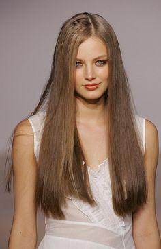But Ruslana Korshunova held a dark secret. Boho Hairstyles, Pretty Hairstyles, Straight Hairstyles, Most Beautiful Faces, Beautiful Models, Beautiful Women, Ruslana Korshunova, Waist Length Hair, Hair Inspo