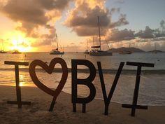 Wish I was home enjoying the view  #happyholidays from the #britishvirginislands    #sunset #paradise #caribbean #islandlife #luxurylife #luxurytravel #bvi #vi #islandgirl #caribbeansunset #caribbeangirlswhoblog #caribbeanlife #island #travelblog #blogger #travelblogger #travelphotography #canegardenbay #tortola #paradise #paradiseisland #takemeback
