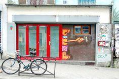 Sunday Street Art : Violent Rabbit - rue Piat - Paris 20 http://www.parisladouce.com/2018/03/sunday-street-art-violent-rabbit-rue.html