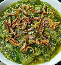 Resep masakan praktis sehari-hari Instagram Indonesian Food Traditional, Sambal Recipe, Healthy Living Recipes, Healthy Food, Malaysian Food, Recipes From Heaven, Asian Recipes, Indonesian Recipes, Food Hacks