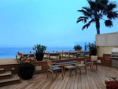 Jim's House - Oceanfront Seating