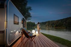 Adria Astella: Caravans could be fancy too Large Kitchen Design, Luxury Caravans, Spa, Holiday Places, Outside Living, Luxury Accommodation, Indoor Outdoor Living, Cool Apartments, Luxury Holidays
