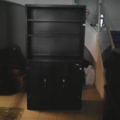 armari-metall-negre-101x42x190 70€