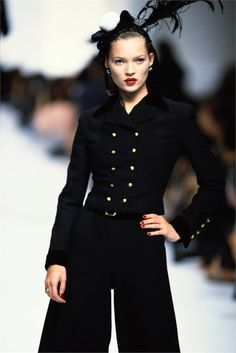 Chanel, Kate Moss on the runway