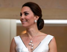 Princess Of Wales, Princess Diana, Duchess Kate, Duchess Of Cambridge, Kate Middleton Family, Pearl Necklace, Royalty, Drop Earrings, Google