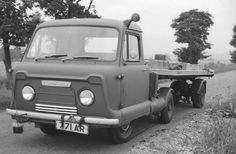 Train Truck, Tow Truck, Pickup Trucks, Old Ford Trucks, Mini Trucks, Classic Trucks, Classic Cars, Ww2 Fighter Planes, Old Lorries