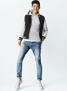Street style tendance : GQ x Gap 2014 Best New Menswear Designers In America Collection… Gq, Mens Fashion Wear, Fashion 2017, Street Fashion, Poses References, Hipster Man, Outfit Combinations, Types Of Fashion Styles, Casual Looks