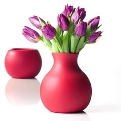 A unique rubber vase by Menu -extraordinary combination of elegance, funk and functionality  -with or without flowers - dimensions H 20.7 x w 17.5 x Ø 17,5 cm ~ Design: Henriette Melchiorsen - Soft malleable rubber - never break down