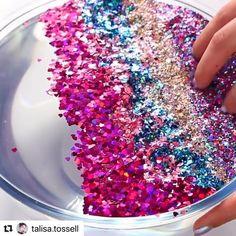 """Happyslimeworld21 en Instagram: """"Follow me in @happyslimeworld21 💕💕💕💕💕💕 Credit: @talisa.tossell @make_repost ✨ #slimes #slime #asmr #satisfying #slimey #oddlysatisfying…"""" Dyi Slime, Cheap Slime, Diy Crafts Slime, Slime Craft, Diy And Crafts, Glitter Lipstick, Glitter Slime, Metallic Slime, Glitter Eyeliner"""