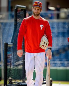 Philadelphia Phillies: Almost time to get to work. Cute Baseball Players, Phillies Baseball, Philadelphia Sports, Bryce Harper, Mlb Teams, World Of Sports, Ml B, National League, Major League