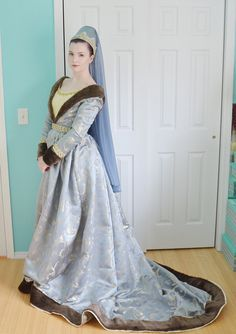 Old Fashioned Clothes : Historically Inspired – Angela Clayton's Costumery Renaissance Mode, Renaissance Clothing, Renaissance Costume, Medieval Costume, Renaissance Fashion, Historical Costume, Historical Clothing, Medieval Gown, Fantasy Dress