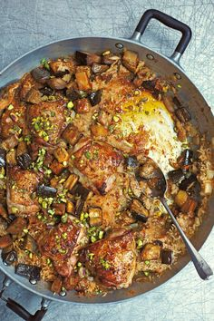 Moroccan-Spiced Chicken with Dates and Aubergines Morrocan Food, Moroccan Dishes, Moroccan Kitchen, Moroccan Recipes, Kitchen Recipes, Cooking Recipes, Healthy Recipes, Rice Recipes, Healthy Food