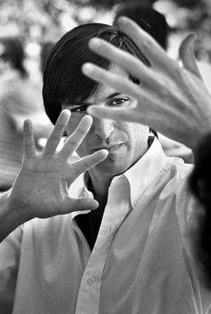 Steve Jobs explaining ten year technology development cycles. Sonoma, California, 1986. Photo: Doug Menuez/Contour by Getty Images/Stanford University Libraries
