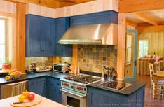 Idea of the Day: Log Home Kitchens. (By Crown Point Cabinetry) Old World Kitchens, Log Home Kitchens, Shaker Style Kitchens, Shaker Kitchen, Distressed Kitchen Cabinets, Blue Kitchen Cabinets, Painting Kitchen Cabinets, Island Kitchen, Wood Cabinets