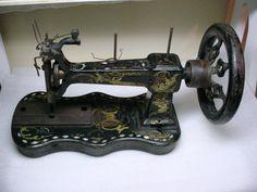 ❤✄◡ً✄❤  Antique sewing machine ❤✄◡ً✄❤ 1859 - 65 SINGER Model A SEWING MACHINE