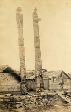 Indian totem poles at Fort Wrangle [Wrangell] 1886