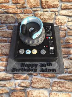 Dj Cake, Music Cakes, Marvel Vs, Logan, Cake Ideas, Birthday Cake, Sweets, Party, Desserts