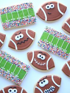 What's more American than Super Bowl Sunday? Perhaps it's the proliferation of Super Bowl snacks! Try making one or more of these 28 Super Bowl Snacks and Festive Party Food Ideas and your guests will go wild! Cookies Cupcake, Galletas Cookies, Iced Cookies, Cute Cookies, Royal Icing Cookies, Football Sugar Cookies Royal Icing, Birthday Cookies, 8th Birthday, Royal Icing Decorated Cookies