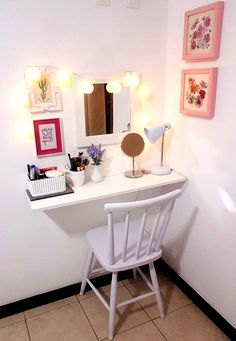 24 super ideas for small bath room organization makeup Bedroom Storage Ideas For Clothes, Small Space Storage Bedroom, Storage Hacks Bedroom, Bedroom Decor, Bedroom Storage For Small Rooms, Home Decor, Room Decor, Small Room Mirrors, Room Ideas Bedroom