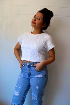Camisa blanca con mangas.