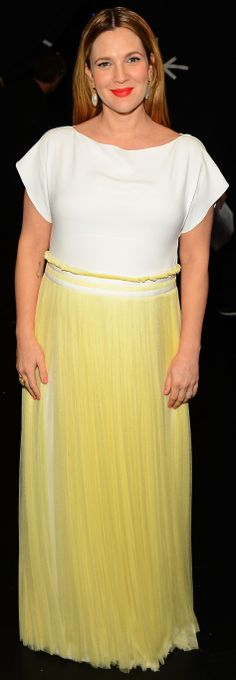 Drew Barrymore in Vionnet t-shirt dress at People's Choice Awards 2014 red carpet