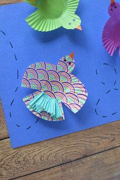 This delightful bird kids craft makes use of vibrant and fun craft materials to create a cupcake liner craft that kids will love. Bird Crafts, Fun Crafts, Arts And Crafts, Paper Crafts, Animal Crafts For Kids, Crafts For Kids To Make, Art For Kids, Craft Activities For Kids, Preschool Crafts