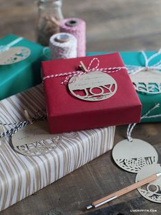 Paper_Cut_Christmas_Tags