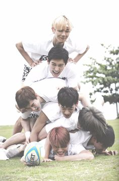 EXO ❤️ Boys on the bottom all dying  and meanwhile baekhyun is just floating on top lol