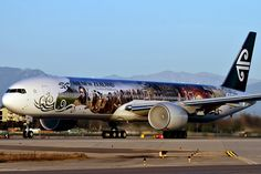 Air New Zealand Boeing 777 (ZK-OKP) in special Hobbit Livery. Image by Brandon Farris Boeing 777 300, Air New Zealand, Commercial Aircraft, The Hobbit, Airplanes, Aviation, Electric Car, Lotr, Transportation