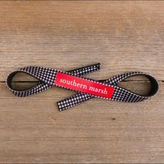 NEW Southern Marsh Sunglass Strap - Houndstooth Brand new! Never worn! In flawless condition! High-qualify neoprene! Southern Marsh Accessories