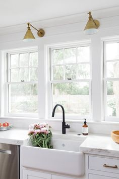 Flat Black Kitchen Faucets Kitchen: Newport Brass East Linear Flat Black Kitchen Faucet Don't care for the lighting tho White Farmhouse Sink, Farmhouse Sink Kitchen, New Kitchen, Kitchen Decor, Kitchen Sink, Faucets For Farmhouse Sinks, Kitchen Ideas, Gold Kitchen Hardware, Gold Kitchen Faucet