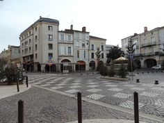 La Place des Laitiers à #Agen en #Lot-et-Garonne...
