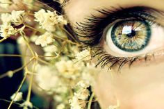 pretty green/hazel eyes ♥ beauty beautiful cute pretty sexy hot classy fashion modern diy simple color season style cool dress outfit clothes hair makeup real women plus curvy figured shoes pants♥ Gorgeous Eyes, Pretty Eyes, Cool Eyes, Amazing Eyes, Flower Yellow, Foto Macro, Fotografia Macro, Look Into My Eyes, Eye Photography