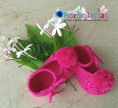 Baby Shoes, Newborn Shoes, Babyshower, Baby Girl Pom Pom Slippers, Photo Prop, Crochet Shoes, Crochet Baby Booties,  Gift, Baby Gift, Babies