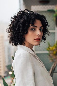 Best Seller FAVE Short Curly Bob Lace Front Wigs Brazilian Human Hair Wigs Side Part Fashion Glueless Natural Wave Black Color Inch) online - Stargreatshopping Curly Bob Wigs, Short Curly Bob, Curly Bob Hairstyles, Bob Haircuts, Curly Hair Styles, Perm On Short Hair, 1980s Hairstyles, Medium Curly, Long Bob