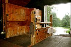grooming/farrier/vet stall