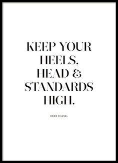 Plakat mit Chanel-Zitat