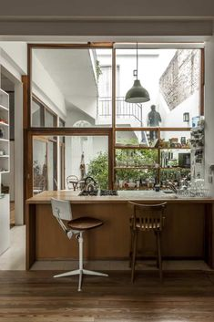 Clasa Vlady – une maison rénovée à Buenos Aires Home Office Design, House Design, Interior Office, Office Designs, Architecture Design, Estilo Interior, Gothic Home Decor, Minimalist Home, Modern Interior Design