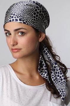 Head Scarf Tying, Neck Scarves, Scarf Styles, Women Wear, Headscarves, Silk, Gypsy, Beauty, Beautiful